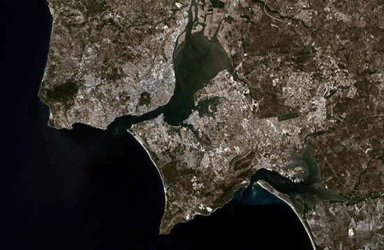 Landsat 5 image of Lisbon, Portugal acquired on August  14, 2004.