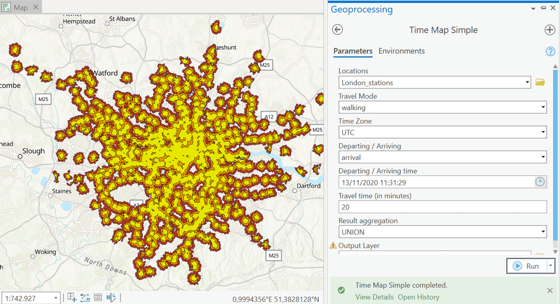 Isochrone map of walking times in central London in ArcGIS.